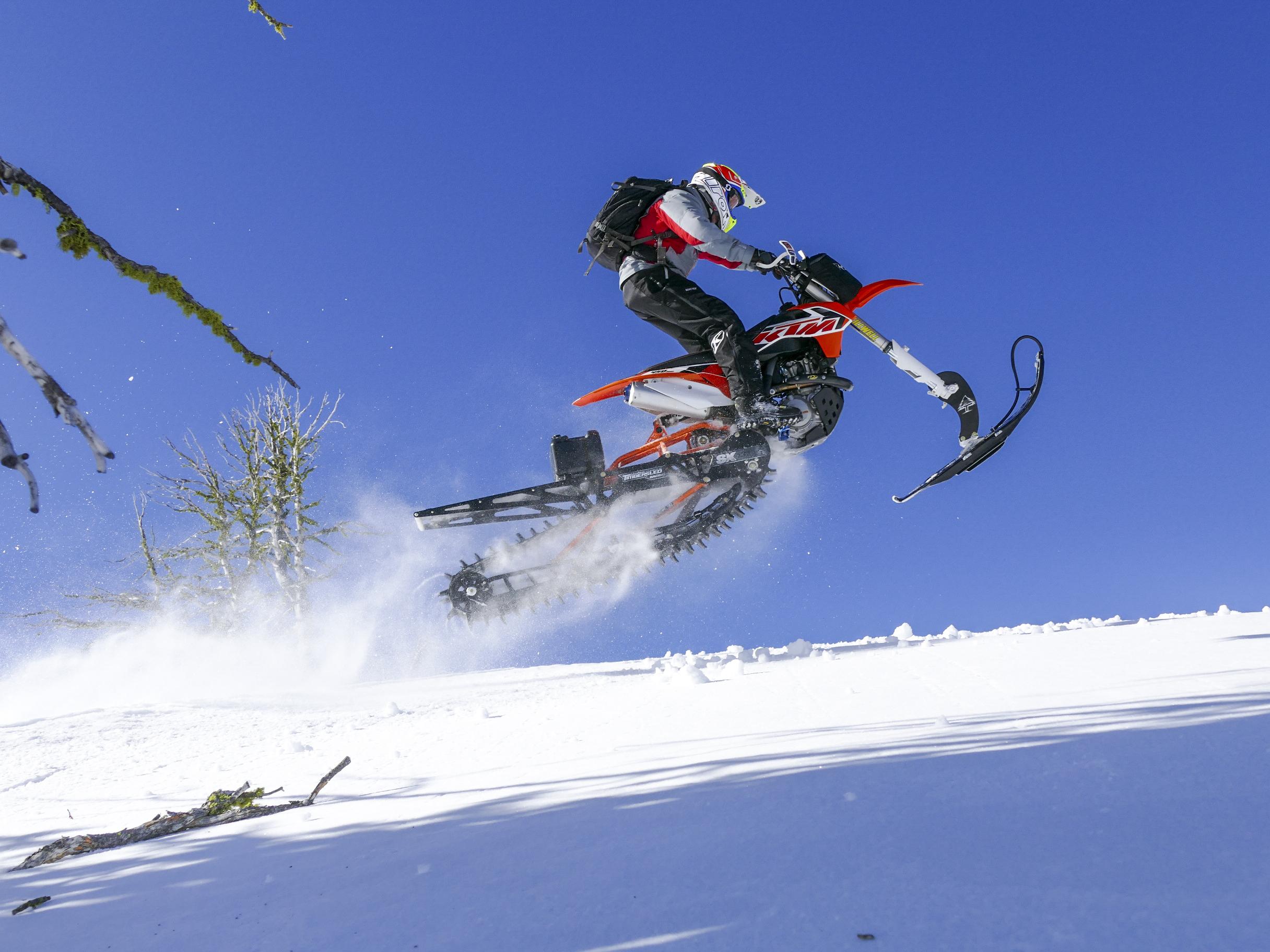 Le motocross en hiver à son meilleur!  Timbersled!