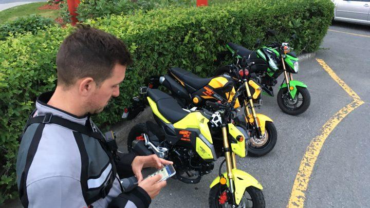 ESSAI: Comparatif mini-motos.  Honda Grom VS Kawasaki Z125 Pro