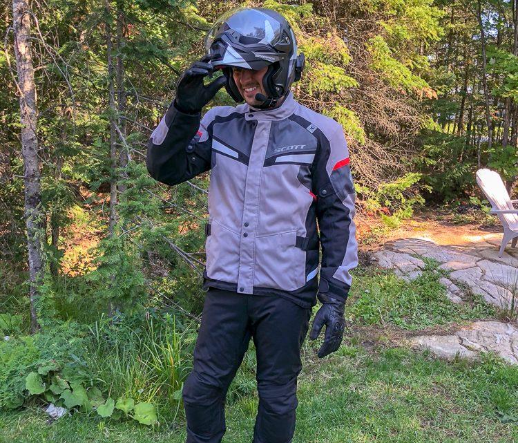 ESSAI LONG TERME:  Ensemble de vêtements de protection moto Scott